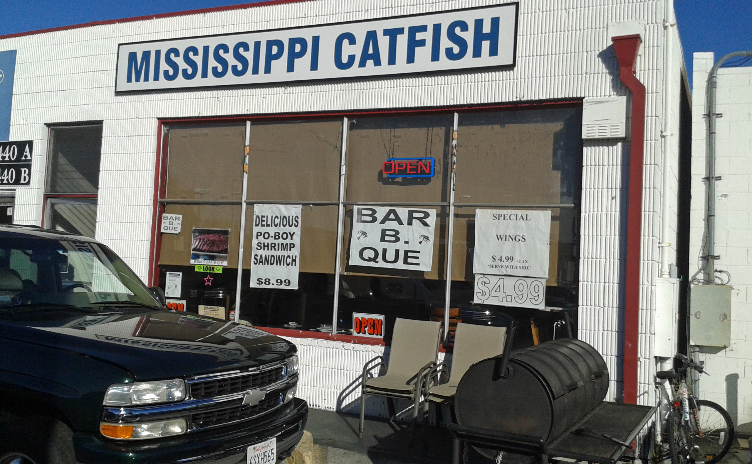 Mississippi Catfish piling goodness onto plates for 15 years