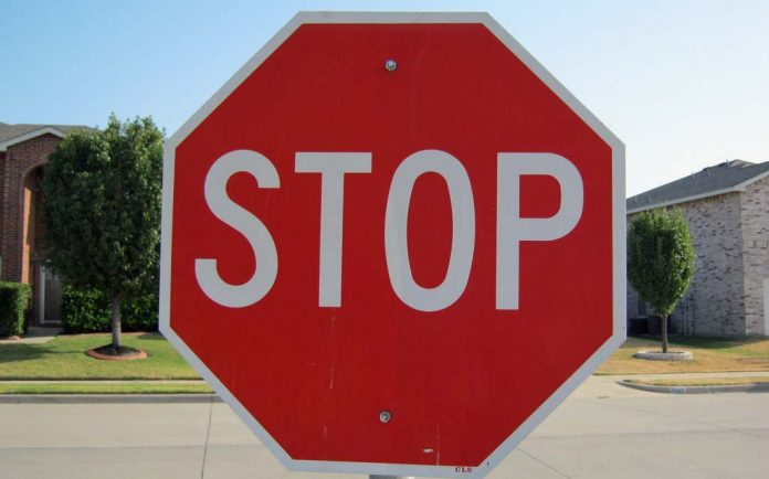 City plans to install 4-way stop at 37th St., Center Avenue