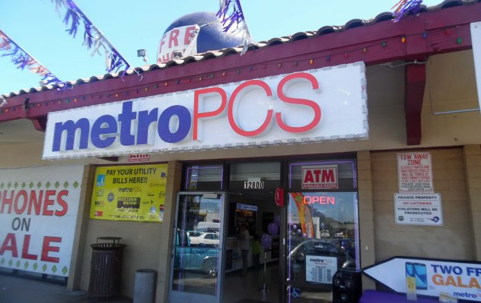 Richmond MetroPCS dealer set for annual Santa visit, gift giveway