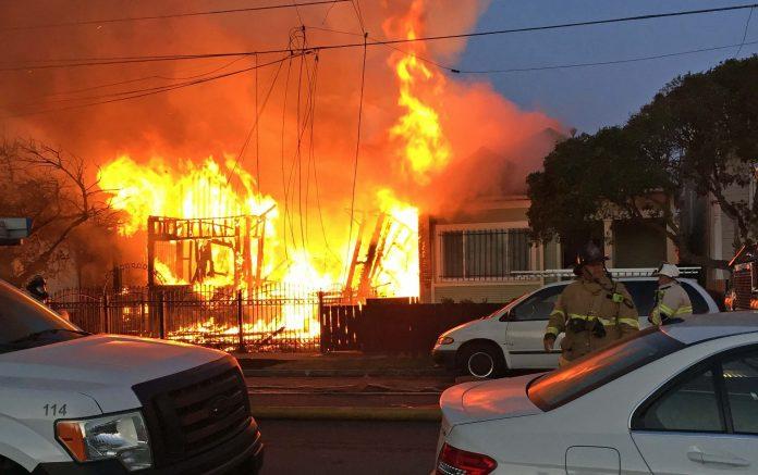 Richmond vacant property blaze damages neighboring homes