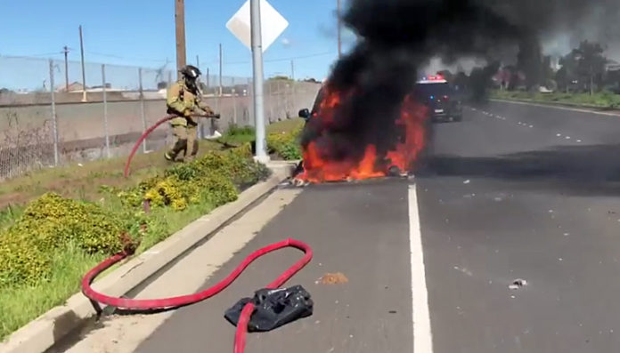 VIDEO: Richmond firefighters battle Parkway car fire