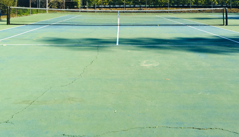 Marina Bay tennis courts to score some love