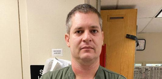 Teen crash victim's family hails off-duty sergeant as a hero