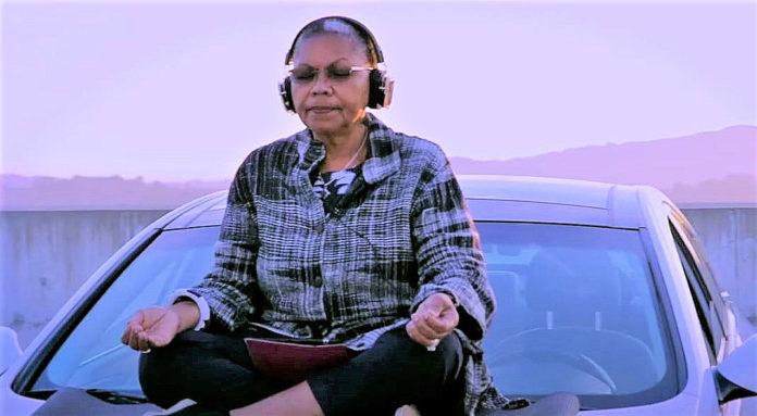 Drive-up meditation offered atop the Richmond BART parking garage