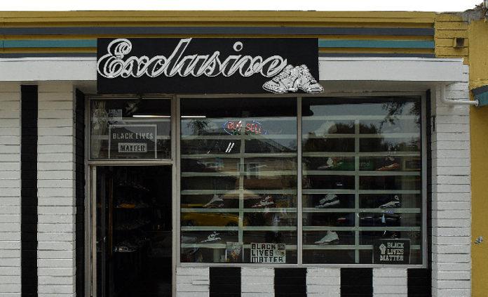 Richmond shoe store burglars make off with 100 pairs of Yeezies