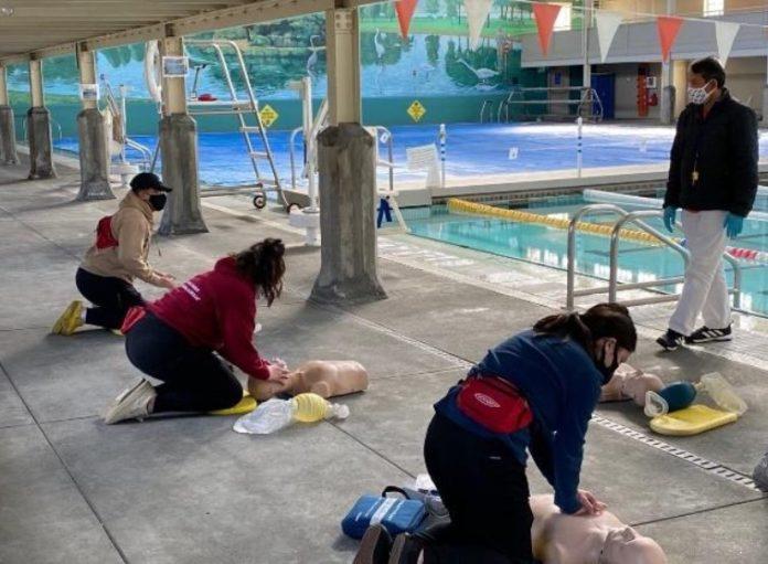 City seeks lifeguard applicants for aquatic facilities