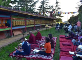 Gyuto Foundation hosts prayer service for COVID-ravaged India