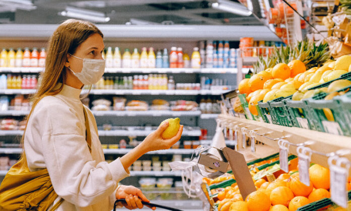 Bay Area health officers recommend wearing masks indoors while in public, vaccinated or not